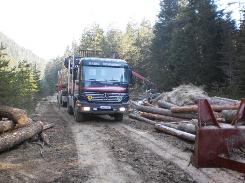 kamion_tovari.jpg